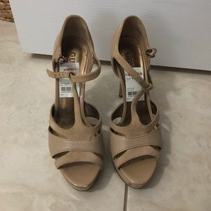 Guess cream heels in size 8